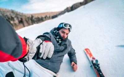 How to prevent injuries while skiing or snowboarding